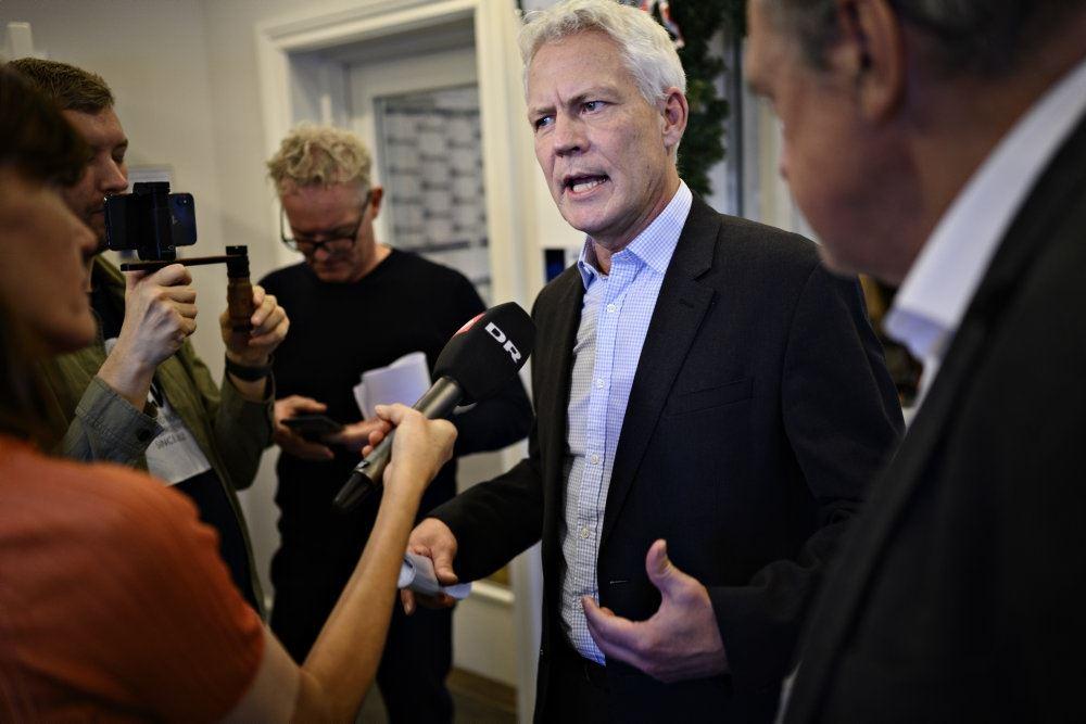 Jesper Fisker på pressemøde