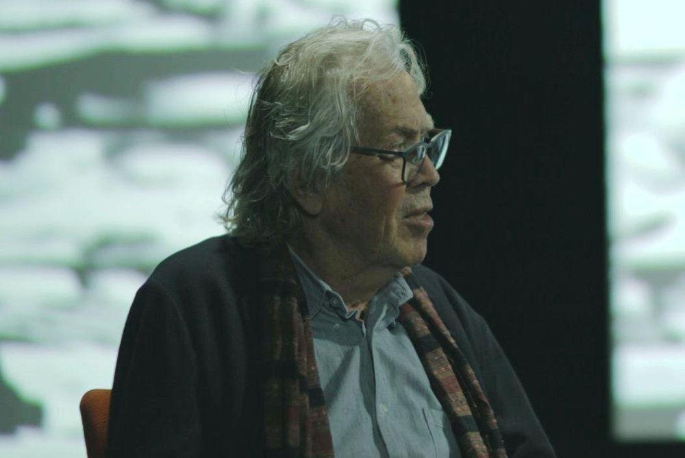 Jørgen Leth set i profil i et tv-studie