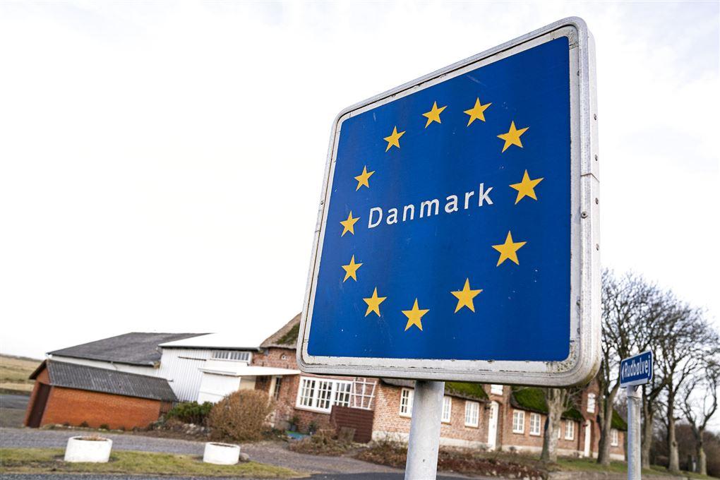 skilt med teksten Danmark står ved grænsen til Tyskland