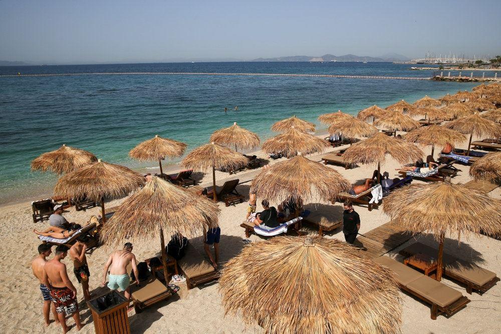 en græsk strand