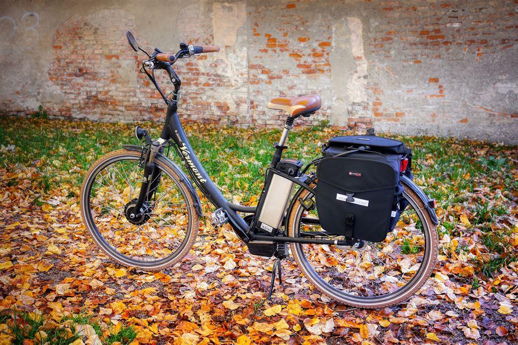 Cykel ved mur