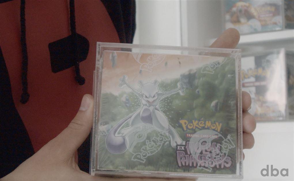 nærbillede af Pokemon-boks