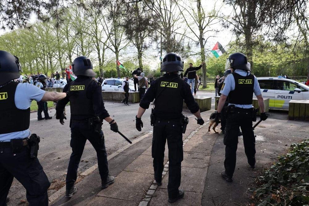 kampklart politi ved demonstration
