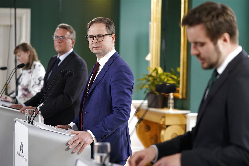 Tre ministre i jakkesæt