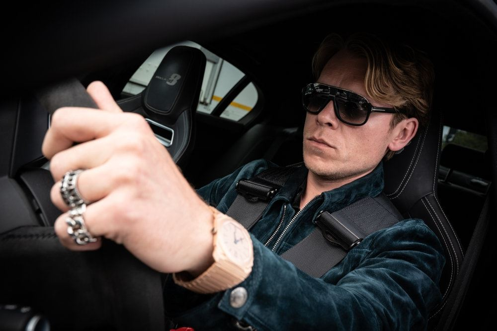 Thue Ersted Rasmussen kører bil