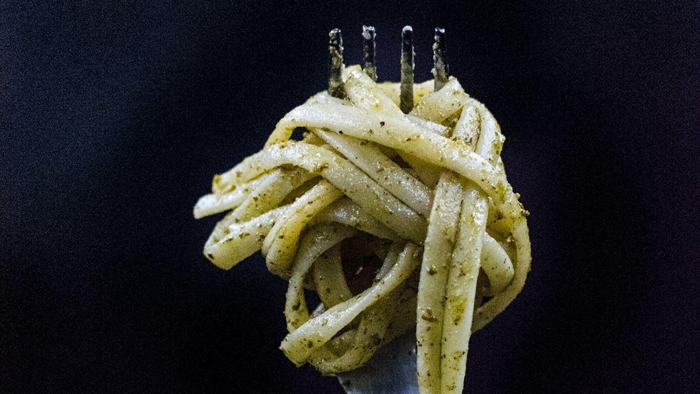 billede af pasta på en gaffel