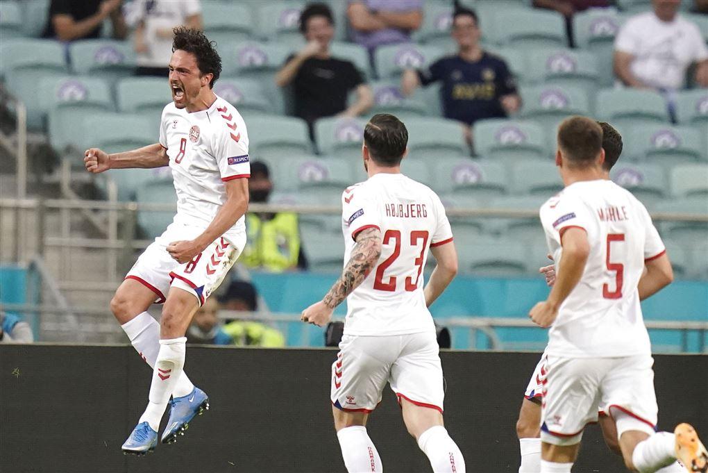 Landsholdsspillere jubler over mål