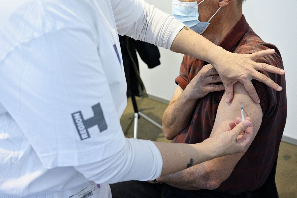 person bliver vaccineret