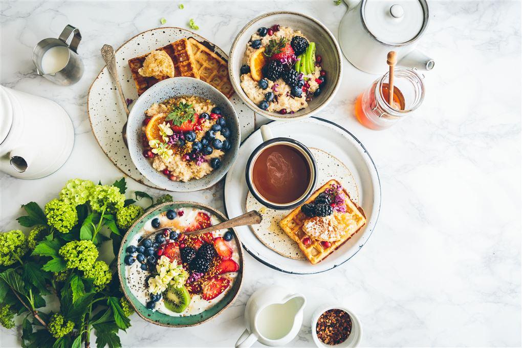 Morgenbord med diverse retter