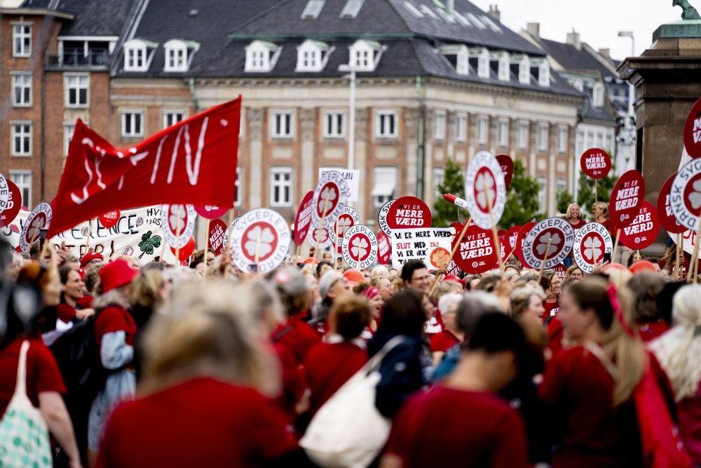 sygeplejersker demonsterer
