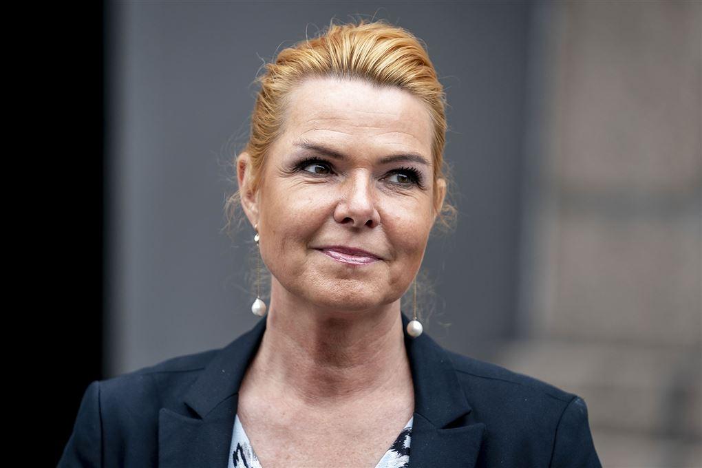 Inger Støjberg smiler