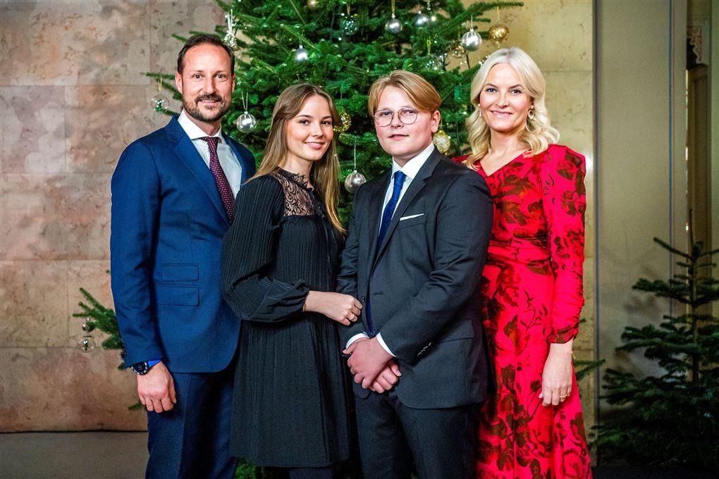 Det norske kronprinspar med deres to børn Ingrid Alexandra og Sverre Magnus.
