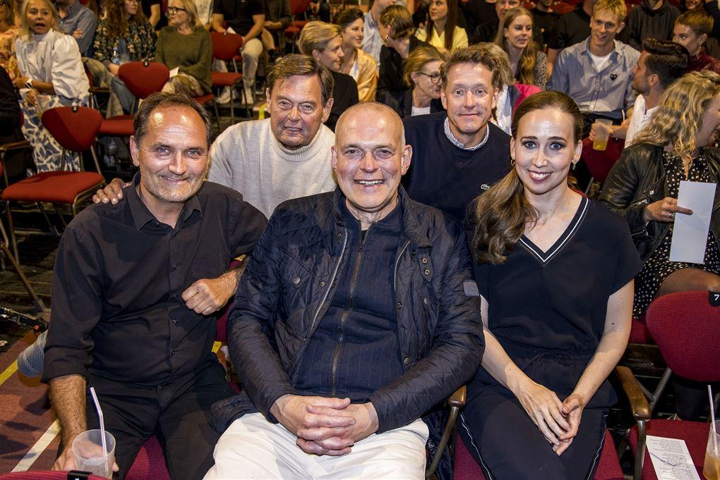 Ulf Pilgaard, Henrik Lykkegård, Niels Ellegaard, Niels Olsen og Merethe Mærkedahl fotograferet under den såkaldte halvvejsfest på Bakken i slutningen af august.