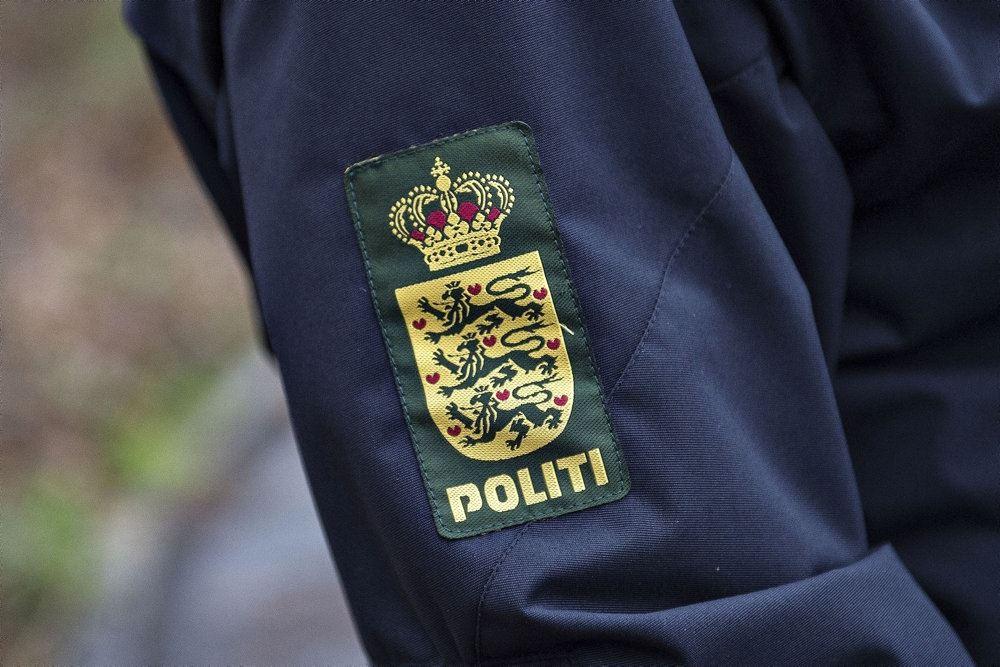 politilogo på uniform