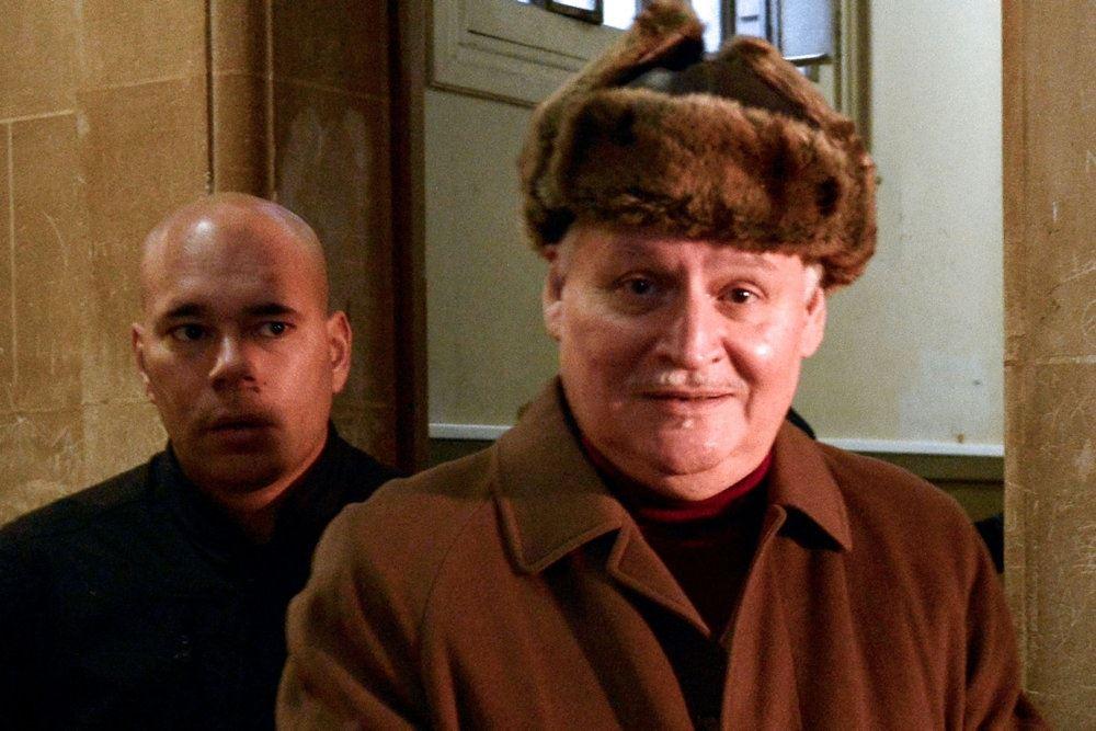 Carlos i retten