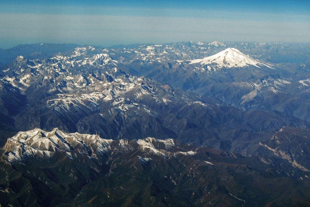 bjerget elbrus set fra distancen