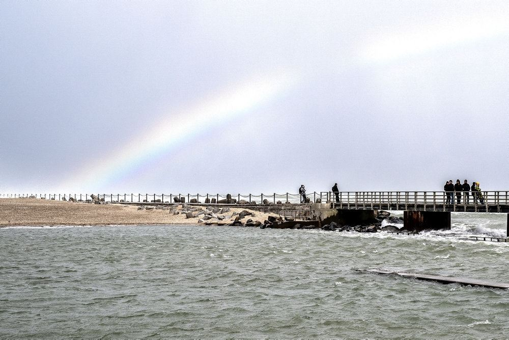 regnbue ved stranden i Vorupør
