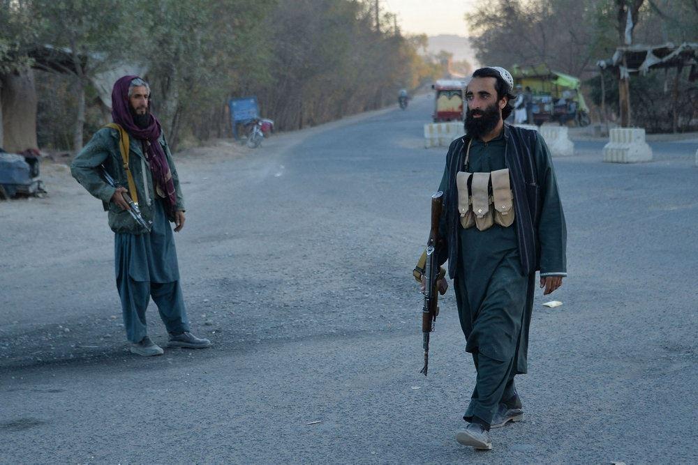 To talibanere på en vej