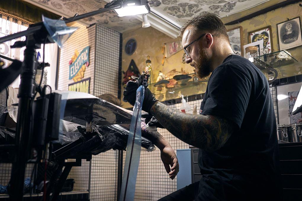 En tatovør